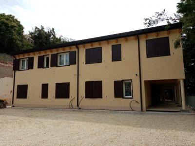 Edificio prefabbricato bipiano